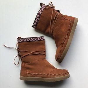 TOMS Chestnut Suede Nepal Faux Fur Tie Boots